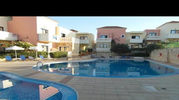 Hotel Adelais - widok na baseny