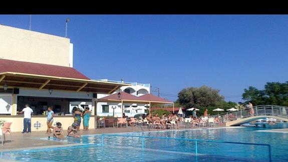 EVI - basen + bar przy basenie