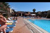 Hotel Palia Don Pedro - przy basenie, w oddali widać bar (polecam likier bananowy ze sprite'm-fajnie ożeźwia)