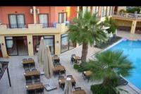 Hotel Palmea - posiłki można jeść na powietrzu - wielki plus