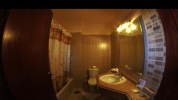 Łazienka w pokoju dwuosobowym w hotelu Three Corners Triton Sea Beach