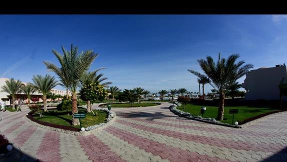 Wejście na teren w hotelu Three Corners Triton Sea Beach