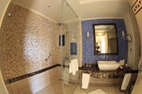 Hotel Hilton Marsa Alam Nubian Resort - Lazienka pokój dwuosobowy w hotelu Hilton Marsa Alam Nubian Resort