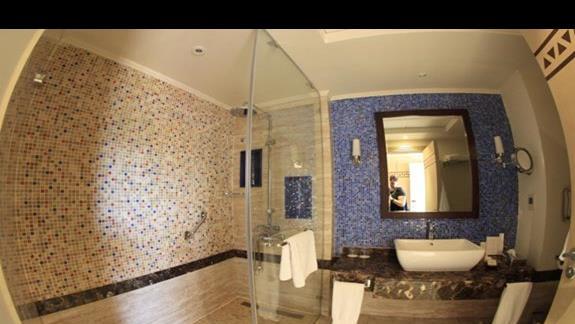 Lazienka pokój dwuosobowy w hotelu Hilton Marsa Alam Nubian Resort