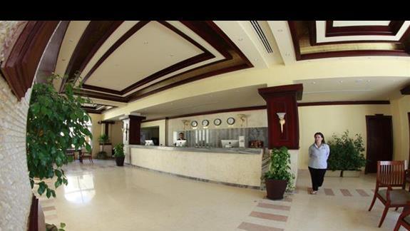 Recepcja w hotelu Concorde Moreen Beach Spa & Resort