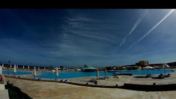 Baseny w hotelu Concorde Moreen Beach Spa & Resort