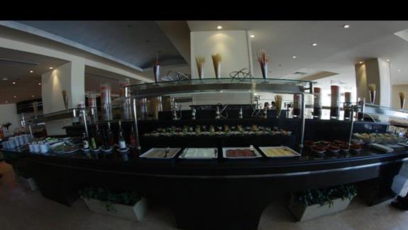 Bufet restauracyjny w hotelu Concorde Moreen Beach Spa & Resort