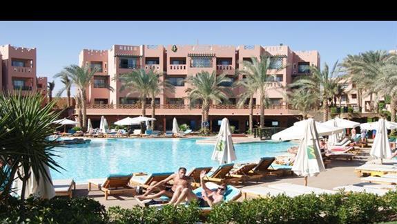 Basen hotelu Rehana Sharm Resort