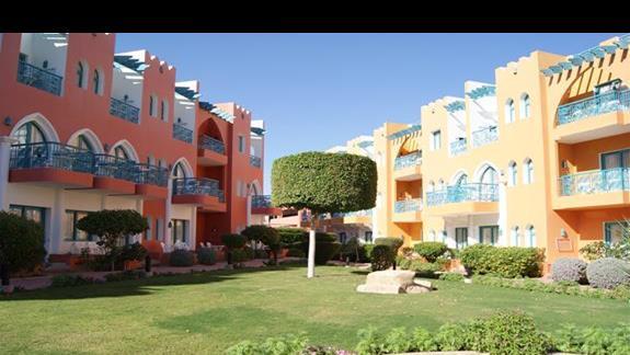 Budynki hotelu Tropicana Grand Azure