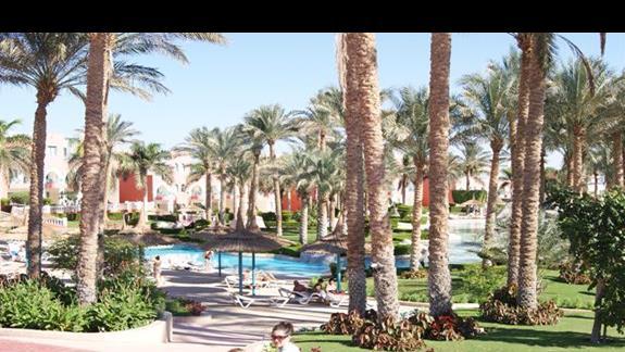 Basen hotelu Tropicana Grand Azure