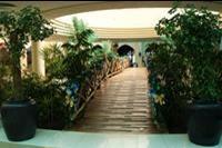 Hotel Savoy - Mostek w lobby hotelu Savoy