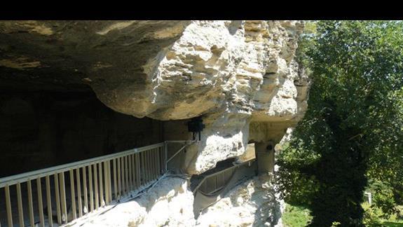 klasztor w skale - okolice Varny