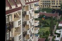 Hotel Titan Garden - Hotel z terenem ,jest to część terenu