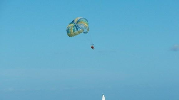 polecamy lot na spadochronie
