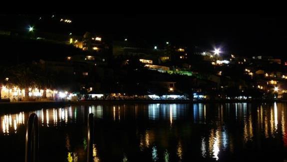 wybrzeże Neum nocą