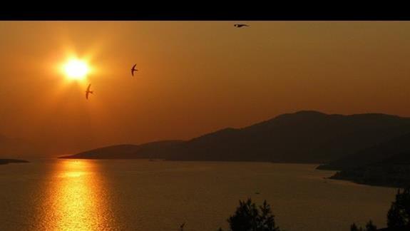 zachód słońca - wiodk z hotelu