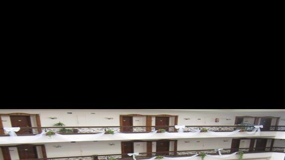 widok na lobby z II piętra