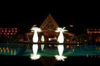 Hotel Lopesan Baobab Resort - Hotel późnym wieczorem