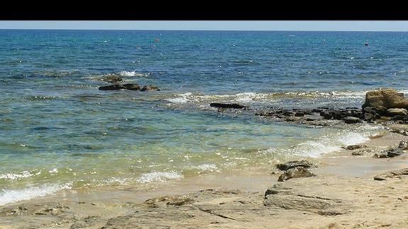 plaża przy hotelu - brzeg