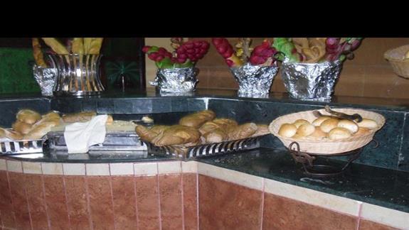 Podczas posiłków można było spróbować różnorakiego pieczywa
