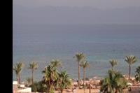 Hotel Sonesta Beach Resort - SONESTA BEACH RESORT TABA - plaża a na horyzoncie drugi brzeg Zatoki Akaba