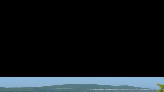 zatopiona łódka - mała przystań w Neum