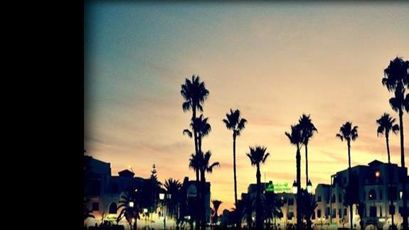 zachód słońca nad portem El-Kantoui