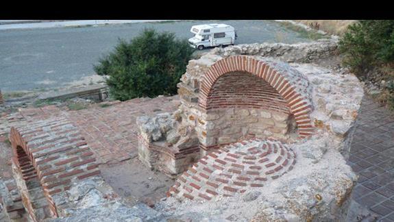 zabytkowe ruiny w Starym Nasabarze