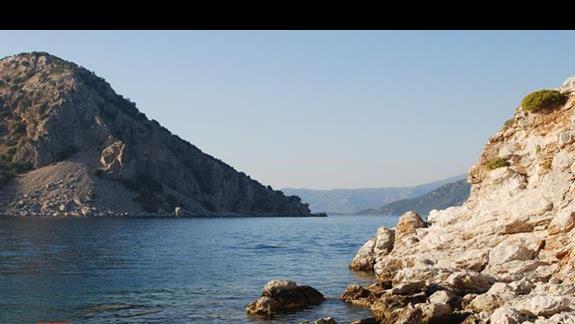 Widok na morze z zatoki