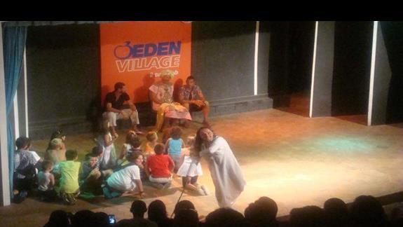 Teatr budził noc do życia:)