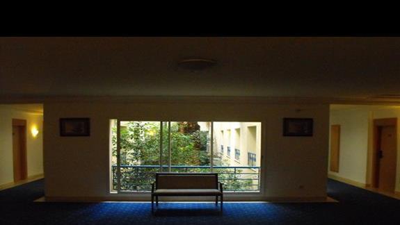 Hotelowe korytarze