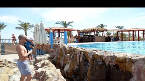 Jeden z hotelowych basenów