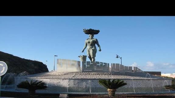 Rondo m/ Puerto Santiago, a Los Gigantes.