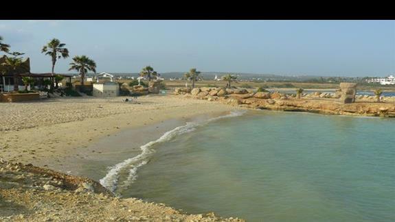 przwie pusta Makronissos Beach