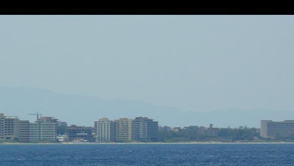 Famagusta - miasto duchów - widok z tzw. zielonej linii