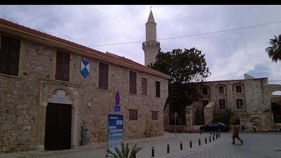 w Larnace