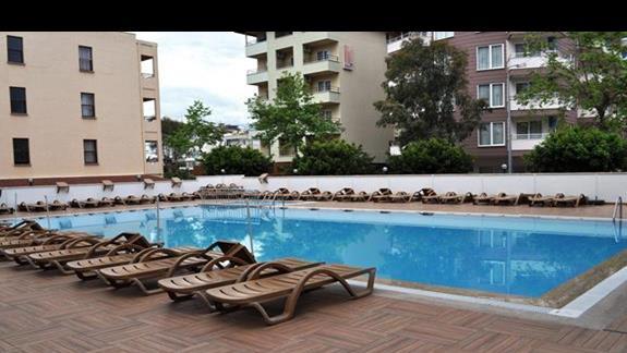 Basen w hotelu Eftalia Aytur