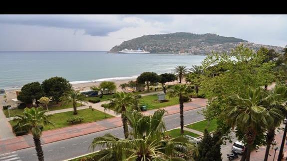 Widok z balkonu w hotelu Eftalia Aytur