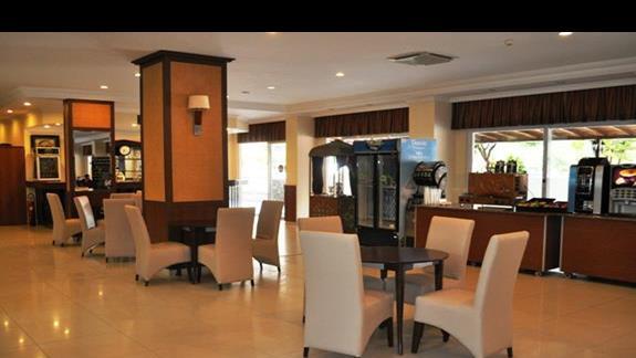 Lobby w hotelu Eftalia Resort