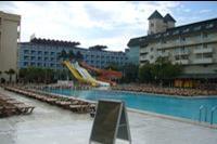 Hotel Xeno Eftalia Resort - Widok na basen i drugi budynek hotelowy