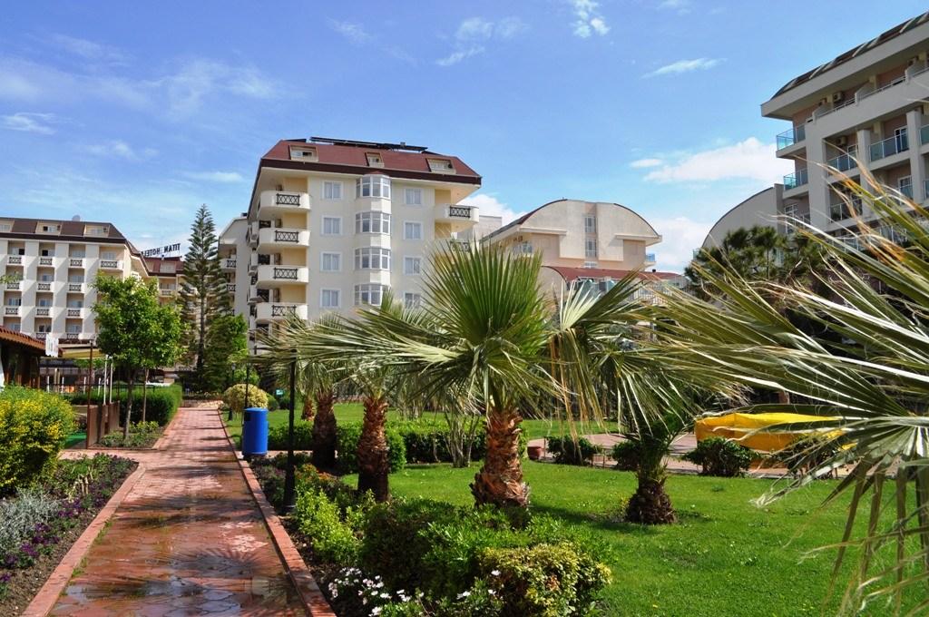 Hotel Titan Garden - Hotel Titan Garden-teren hotelowy