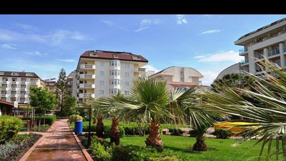 Hotel Titan Garden-teren hotelowy