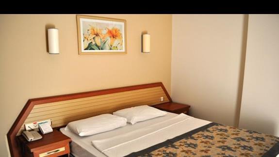Pokój standardowy w hotelu Titan Garden