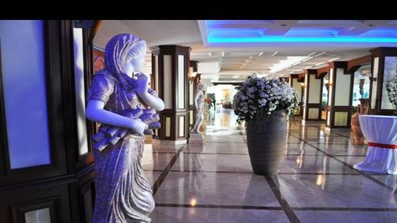 Lobby w hotelu Saphir