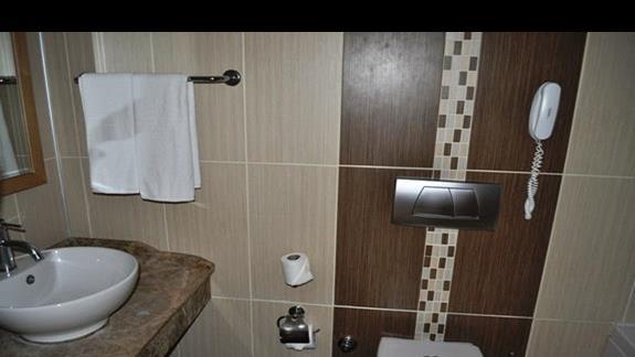 Łazienka w pokoju deluxe w hotelu Saphir