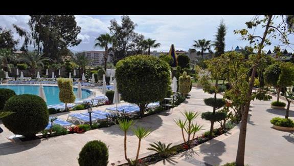 Teren hotelu Saphir