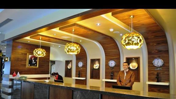 Recepcja w hotelu Dizalya Palm Garden
