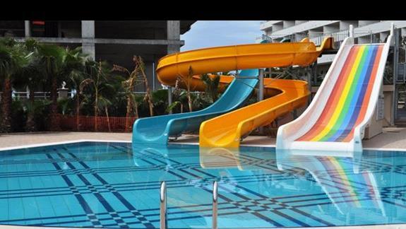 Zjeżdżalnie w hotelu Dizalya Palm Garden