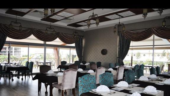 Restauracja w hotelu Dizalya Palm Garden
