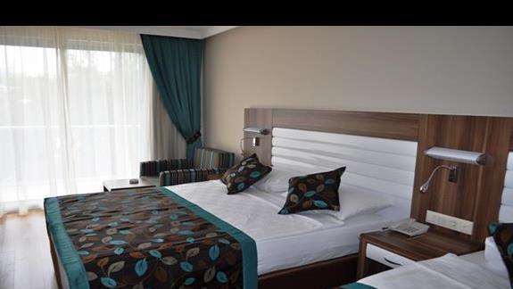 Pokój rodzinny FAM 1 w hotelu Dizalya Palm Garden